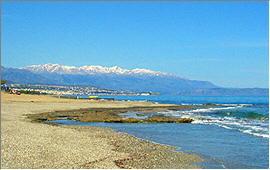 Adelianos Kampos: Blick vom Strand nach Rethymnon